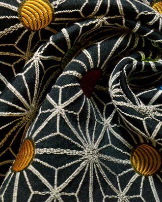 Ткань жаккард, цвет: на черном фоне белый орнамент с разноцветными кругами арт. ГТ-191-1-ГТ0021232