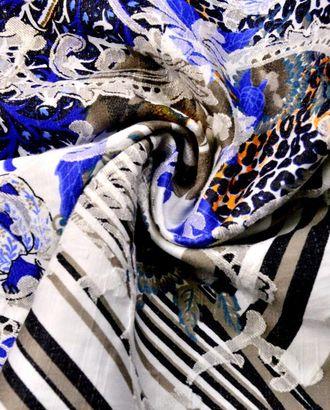 Ткань жаккард, цвет: сине-оранжевый цветочный на белом поле, в наклад с белыми вензелями арт. ГТ-267-1-ГТ0021575