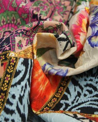 Ткань жаккард, цвет: на нежно-голубом и малиновом фоне геометрические мотивы с цветами и бабочками арт. ГТ-370-1-ГТ0021833