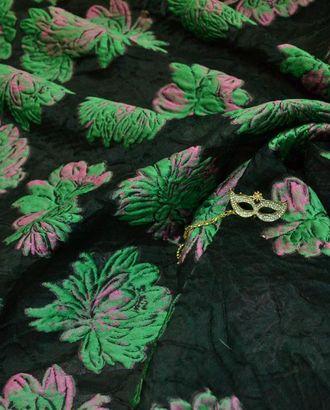Жаккард, на черном фоне перламутрово-зеленые цветы арт. ГТ-453-1-ГТ0022930