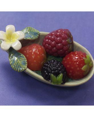 """Пластиковая форма для мыла """"Ягодки"""" 4шт, размер каждой ягодки 2х1,5х2,3 см арт. СМЛ-36660-1-СМЛ0002334330"""