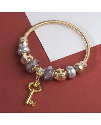 """Браслет с жемчугом """"Марджери"""" ключ, цвет серый в золоте арт. СМЛ-28022-1-СМЛ3947281"""